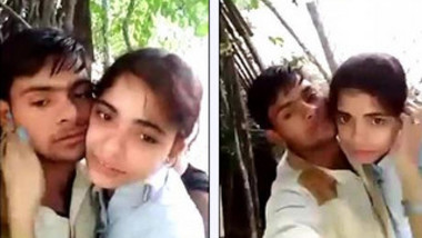 Desi girl satisfies loved stepbrother kissing him for XXX self-shooting