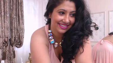 Punjabi bhabhi masturbate pussy after striptease cam show
