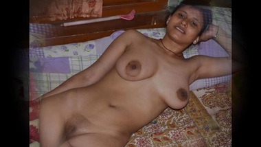 Desi horny housewife nude exposed