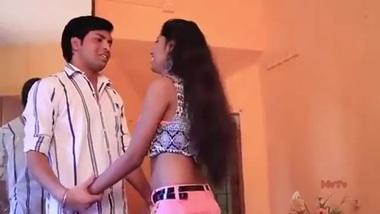 Tamil Madhosh Pyaar Mulakat - Sexy short video...