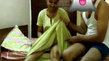 Desi bhabi Romance with Daver