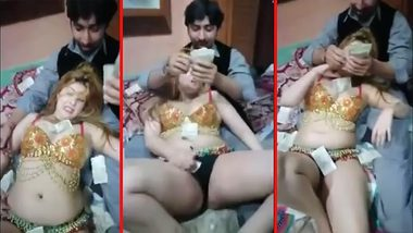 Busty Desi aunty puts cock in her mouth and money in her pocket