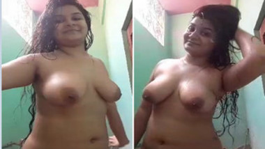 Stacked Desi girl not shy to pose naked after relax in XXX shower