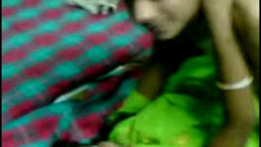 Young bhabhi making her hindi porn video with devar