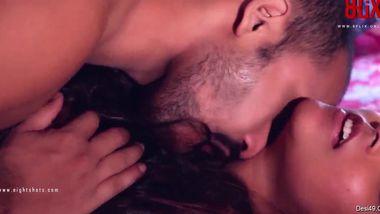 Desi minx helps guy cum with tender openings in hot passionate video
