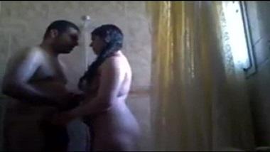 Horny Pune bhabhi early morning sex in shower!