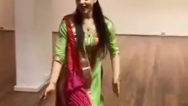 Clothed hot dance by beautiful pretty on hindi...