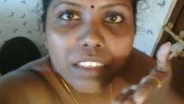 Mallu bbw aunty selfie mms – Displaying naked body in bathroom