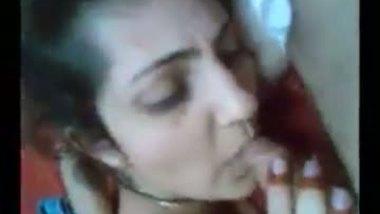 Punjabi blowjob – Slim & young bhabhi's sex plea to lover