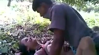 Group sex with hot slut in Indian outdoor sex scandals