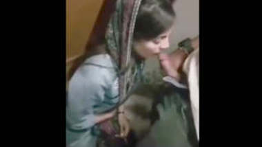 Sexy Pakistani girl sucking cock in change room mms leaked