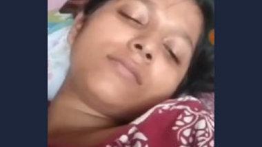 Beautiful Desi Wife Fingering Video Call