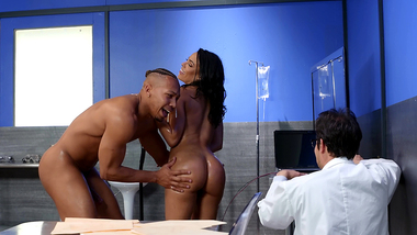 XXX desire to be assfucked makes mom Luna Star stop experiment