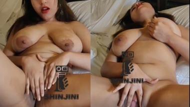 Sexy booby Desi girl fucking MMS