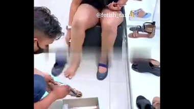 Indian daring housewife shows pussy to the sales guy and husband takes video