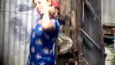 Shy Desi Girl Changing - Movies.