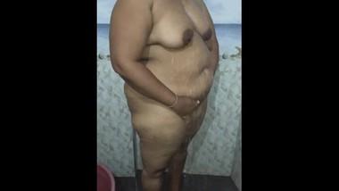 Bathing bbw girl - නාගත්තා හොදට ඔයාලටත් පෙන්නන්න හිතුව