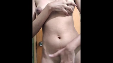 indian sexy bhabhi showing her body to her boss to select for the job